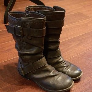 Flash sale! Report brown boots!